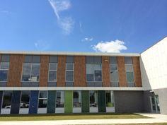Project: Ecole de L'Espace-Couleur   Product: VIVIX Solid Phenolic Panels   Location: Terrebonne, QC   #brilliantbuildings