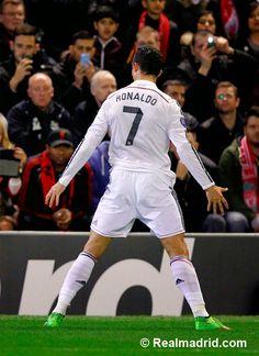 Ronaldo en el Liverpool 0 - 3 Real Madrid #HalaMadrid #HalaMadridYNadaMas