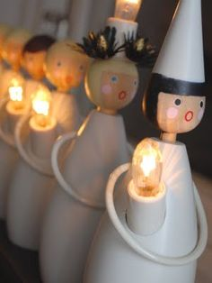 these are so cute. Wish I could find/make some for my house (St Lucia day)