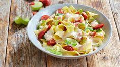 Wer ein neues Pasta-Rezept sucht, der sollte Bandnudeln mit Lauch, Chorizo und Gorgonzolo ausprobieren. Das Gericht ist einfach in der Zubereitung und sehr köstlich.