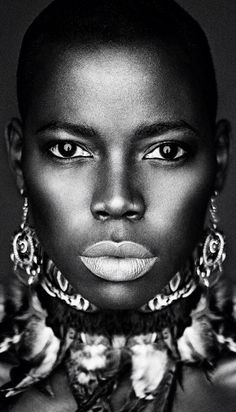 Most beautiful Black women have always been regarded by civilized societies all over the world as the most beautiful women on the planet. Beautiful Dark Skinned Women, My Black Is Beautiful, Most Beautiful Women, Beautiful People, African Beauty, African Women, African Art, Photographie Portrait Inspiration, We Are The World