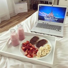Tag someone who would love this Credit: ladycolour Good Morning Yay? Tag someone who would love this Credit: ladycolour Healthy Snacks, Healthy Eating, Healthy Recipes, Movie Night Snacks, Sleepover Snacks, Good Food, Yummy Food, Think Food, Food Goals