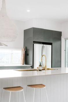 Kitchen Room Design, Modern Kitchen Design, Bathroom Interior Design, Kitchen Interior, Interior Decorating, Riads In Marrakech, Apartment Kitchen, Home Fashion, Home Kitchens