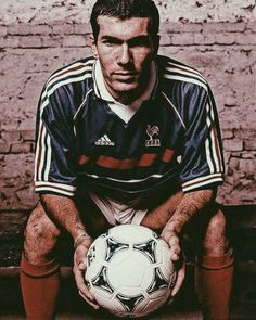 Zinedine Zidane Zinedine Zidane, Soccer Stars, Football Soccer, France Football, Modern Names, Fifa, Champions, Soccer Players, World Cup
