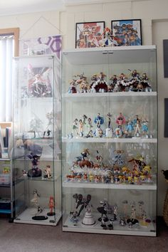 Funko Pop Display, Toy Display, Display Ideas, Art Black Love, Ideas Habitaciones, Otaku Room, Action Figure Display, Cute Room Ideas, Kawaii Room