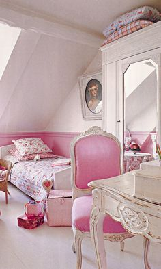 I'll probably have to do a pink room for Katie one of these days!  And purple for Ellie!