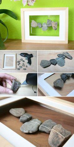 HEute gibt es wieder eine ganz einfach DIY Idee. Alles was ihr dazu braucht: einen tiefen Rahmen, zB Ribba von Ikea, Steine, am besten welche mit einer weißen Linie, Heißklebepistole und durchsichtiges Klebeband. Steine mit Linien findet man am besten … weiterlesen