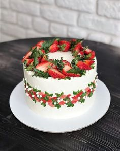 30 Decorating Cake With Fruit - Cake Design Ideas Pretty Cakes, Cute Cakes, Beautiful Cakes, Amazing Cakes, Easy Cake Decorating, Cake Decorating Techniques, Ice Skating Cake, Cupcake Cakes, Cake Cookies