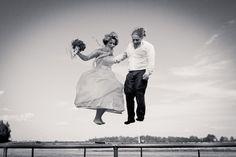 Wedding couple on a trampoline | Wedding photographer in Tartu, Estonia | sokkphoto.com | Pulmafotograaf
