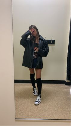 Retro Outfits, Cute Outfits, Trendy Outfits, Girl Fashion, Fashion Outfits, Mode Streetwear, Mode Inspiration, Aesthetic Clothes, Winter Outfits