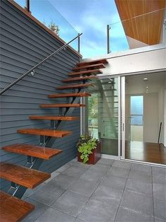 Exterior stair accessing roof terrace - modern - staircase - seattle - by Jim Bu. Exterior stair accessing roof terrace - modern - staircase - seattle - by Jim Bu. Design Patio, Terrace Design, Exterior Design, Exterior Stair Railing, Deck Railings, Outdoor Stairs, Deck Stairs, Stairs Architecture, Fashion Architecture