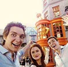 Weasleys at Weasley's Wizard Wheezes! Can we just talk about how Bonnie Wright is a grown woman now??