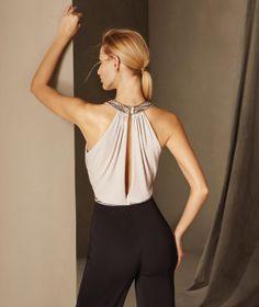Bruna - Abito pantalone da cerimonia in maglina con scollatura sulla schiena e strass