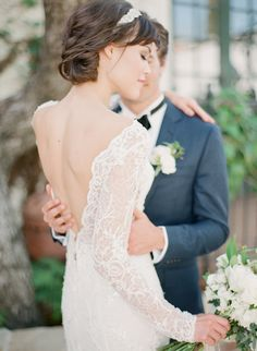 Photography : Koman Photography Read More on SMP: http://www.stylemepretty.com/california-weddings/san-juan-capistrano/2016/07/26/want-a-timeless-wedding-see-how-its-done/