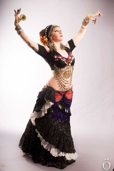 Belly dance. Tribal Fusion.