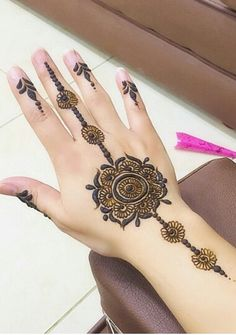 Pretty simple henna mendhi