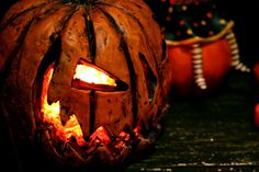 Lighted Sinister Pumpkin Head, by Primitives by Kathy. - The Weed Patch
