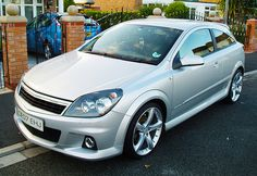 Vauxhall Astra SXI with extras