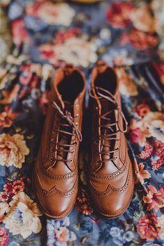 INSPIRACIÓN: Vestido de flores pin up con botas marrones