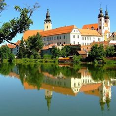 Telč (South Moravia), Czechia. Photo by Ladislav Renner #town #czechia #castle #renaissance