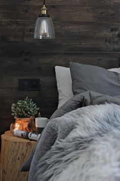 Cozy Bedroom, Dream Bedroom, Rooms Decoration, Rustic Home Design, Cabin Interiors, New Room, Hygge, Home And Living, House Design