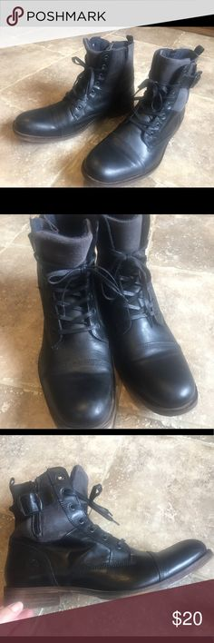 Steve Madden Mens Saxon boots side zippers