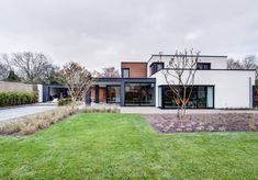 Woonhuis M | Boyke Kooijmans Architect House In The Woods, Garage Doors, Mansions, House Styles, Villa, Wood Houses, Outdoor Decor, Home Decor, Tips