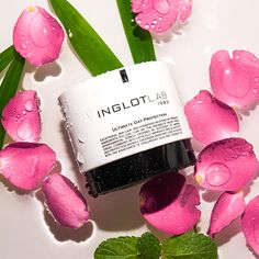 Ultimate Day Protection innovative, rich in active ingredients day cream, visibly hydrates and protects against excessive water loss. Innovative Packaging, Aging Process, Skin So Soft, Active Ingredient, Seed Oil, Hustle, Your Skin, Lab, Hair Care