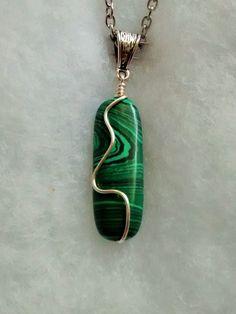 beautiful malachite pendant and chain
