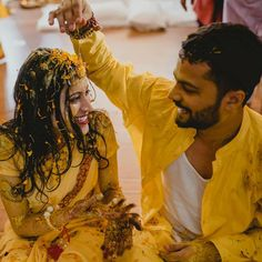 Haldi Shots are supposed to take you back to that fun-filled moment! So Get some super-cool Candid Photography shots for your Haldi Ceremony! Pre Wedding Poses, Bridal Poses, Wedding Fun, Wedding Events, Indian Wedding Bride, Indian Wedding Photos, Indian Wedding Photography Poses, Candid Photography, Photography Ideas