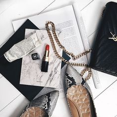 Throw on some red lipstick, and you can do anything darling! Flat Lay Photography, Jewelry Photography, Lifestyle Photography, Product Photography, Luxury Lifestyle Fashion, Flatlay Styling, Christmas Jewelry, Photo Instagram, Red Lipsticks