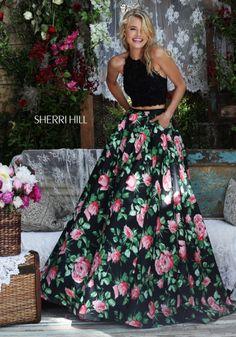 (Foto 8 de 30) Conjunto dos piezas con top en negro y falda acampanada de flores…