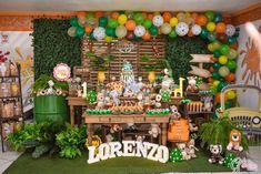 Safari Theme Birthday, Boys 1st Birthday Party Ideas, Jungle Theme Parties, Baby Boy 1st Birthday, Birthday Decorations, Jungle Party, Festa Safari Baby, Jungle Safari Cake, Safari Party