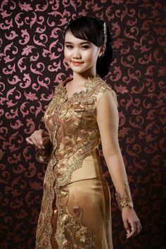 COSTUME PLANET: Kebaya:Traditional Clothing of Malaysia, Indonesia, Brunei and Singapore