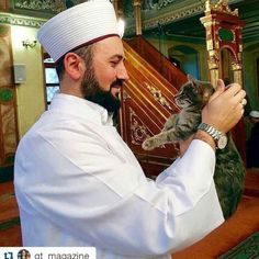 This IMAM has a good heart of opening his mosque for... Follow us on Instagram :D #cats #cat #catlover #lovecats #funny #fun #cute #socute #feline #felines #felinefriend #fur #furry #paw #paws #kitten #kitty #kittens #kittycat #kittylove #fluffy #fluff