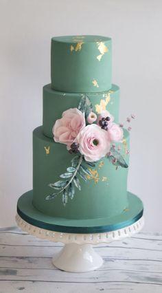 Wedding cake in eucalyptus. Beautiful Wedding Cakes, Beautiful Cakes, Green Wedding Cakes, Colourful Wedding Cake, Cake Wedding, Bolo Fack, Bolo Floral, Floral Cake, Naked Cakes