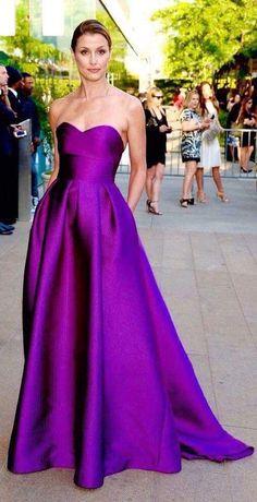 Bridget Moynahan in an amazing purple dress by Lela Rose. Purple Evening Gowns, Purple Gowns, Violet Dresses, Satin Dresses, Purple Dress, Strapless Dress Formal, Evening Dresses, Purple Satin, Satin Gown