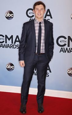 He's just way to Perfff American Country Music Awards, Academy Of Country Music, Country Music Singers, Country Songs, Nashville Skyline, Cma Awards, Scotty Mccreery, Poses For Pictures, Black Smoke