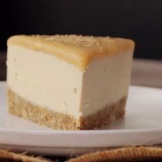 Raw Vegan Desserts, Raw Vegan Recipes, Vegan Dessert Recipes, Vegan Treats, Vegan Foods, Vegan Dishes, Vegan Cheesecake Recipes, Salted Caramel Cheesecake, Vegan Recipes Videos