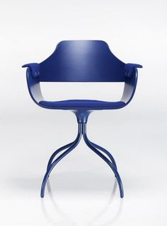 The Showtime chair honours the name of the collection that Jaime Hayon began in 2006.