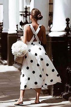 Fashion Wave Point Sleeveless Braces Dress – Source by ebuystudio Dresses Mode Chic, Mode Style, Dots Fashion, Fashion Outfits, Fashion Design, How To Look Expensive, Summer Outfits, Summer Dresses, Mode Inspiration