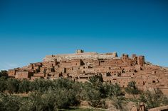 Aït Benhaddou is an ighrem, along the former caravan route between the Sahara and Marrakech in present-day Morocco. Sky Full Of Stars, One Day Trip, Morocco Travel, Cold Night, Atlas Mountains, The Dunes, Marrakesh, Travel Memories, Old City