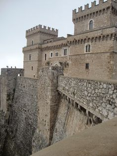 Monuments, Italy Architecture, Natural Scenery, Chateaus, Medieval Castle, Palaces, Temple, Around The Worlds, Rainbow