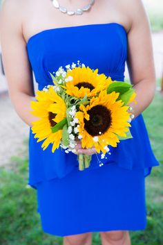 Sunflower Bouquet and Royal Blue Dress| {Royal Blue & Sunflower Yellow} Summer Wedding|Photographer:  Michele Conde Photography