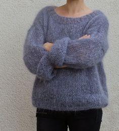 Tricolyne: N 1 Mijn eerste trui / De danstrui! Crochet Socks Tutorial, Fingerless Gloves Crochet Pattern, Crochet Poncho, Crochet Baby Hats, Crochet Christmas Stocking Pattern, Mini Skirt Style, Knitwear Fashion, Poncho Sweater, Big Sweater