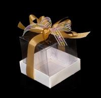 o Passo a PassoEdineide e Ailton: Caixinha de Acetat Cake Boxes Packaging, Bread Packaging, Decorated Gift Bags, Engagement Cards, Edible Gifts, Cardboard Crafts, Box Cake, Chocolate Box, Macaron