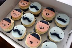 mustaches cupcakes!!