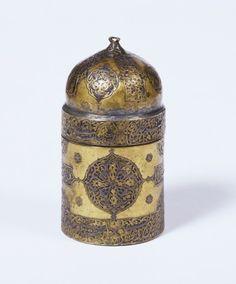 Inkpot  Persia, 1510-1520  The Victoria & Albert Museum