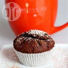 Glutenfreie mexikanische Schokoladen Cupcakes -  Ich hab mein Lieblingsrezept für Gewürzcupcakes für eine Freundin die sich glutenfrei ernährt abgeändert und das Ergebnis war so lecker, dass ich es jetzt hier einstelle. Mexikanische Schokolade wird oft mit Cayenne und Vanille gewürzt, drum der Name.@ de.allrecipes.com