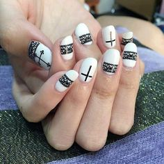 Daneloo | A new blog talking about nail art and hairstyles.